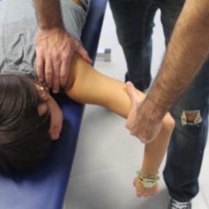 Trattamento generale osteopatico spalla da prono
